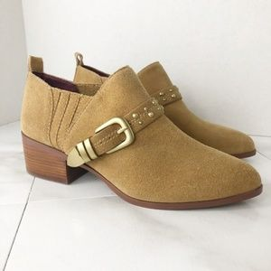 BCBGeneration Loela Leather Wheat Ankle Bootie